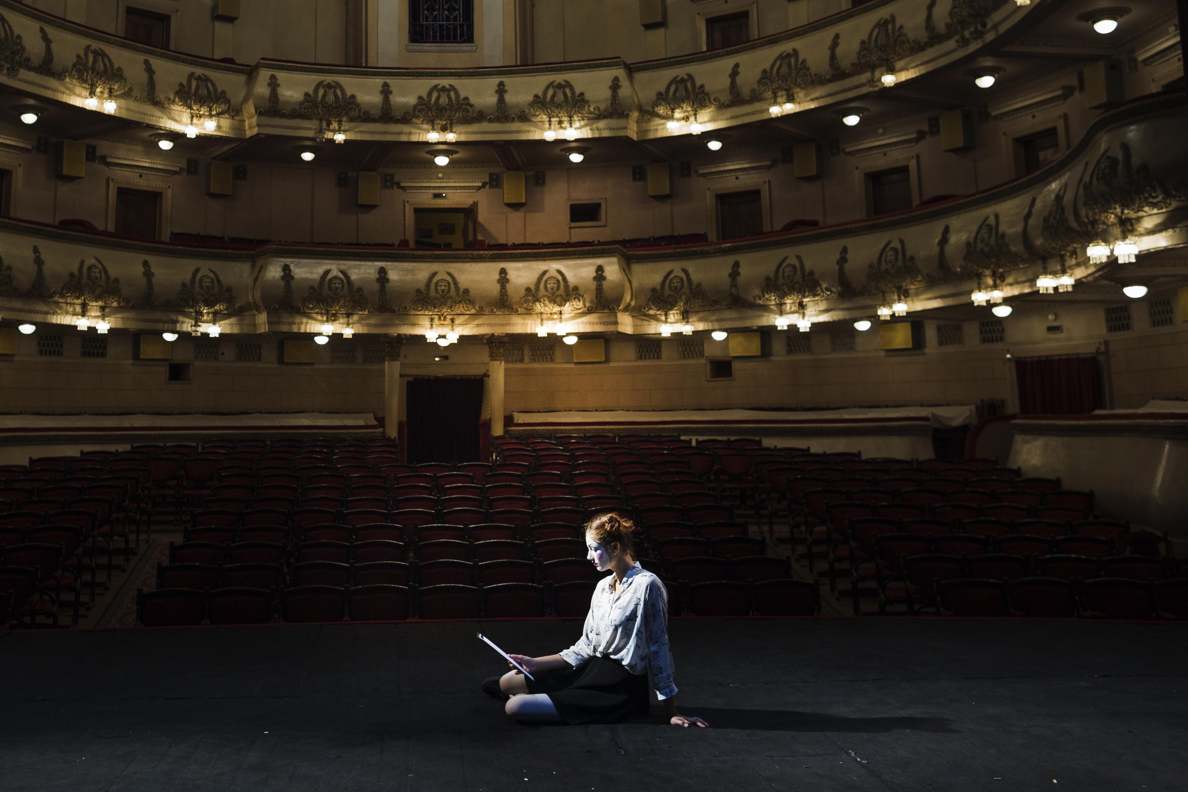 Teatre i creació- (De 12 a 18 anys)